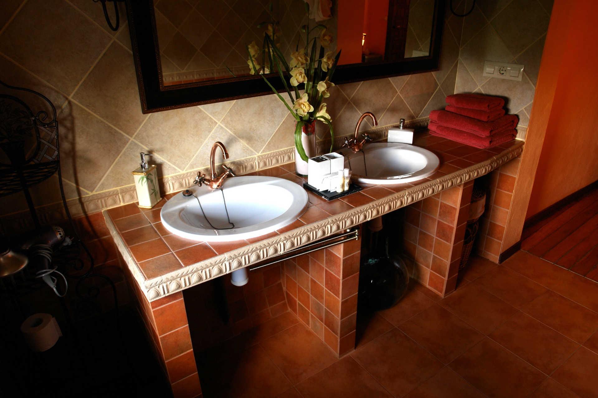 Baño Habitacion doble Outeiro con Galeria casa rural As Seis Chemineas