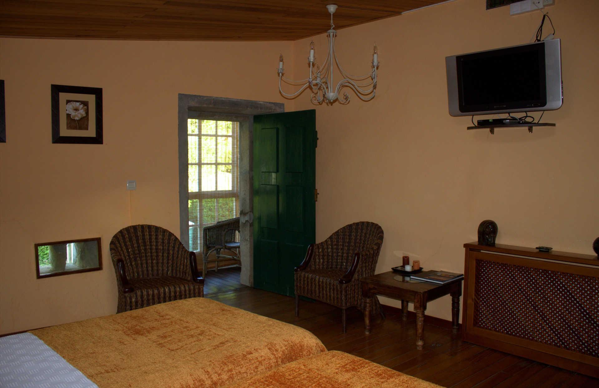 Habitacion doble Outeiro con Galeria casa rural As Seis Chemineas